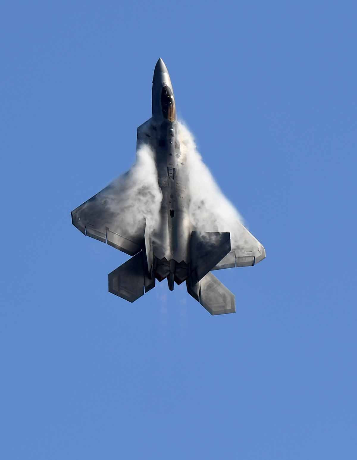 A US Air Force F-22 Raptor flies during the Australian International Airshow in Melbourne on March 5, 2017.