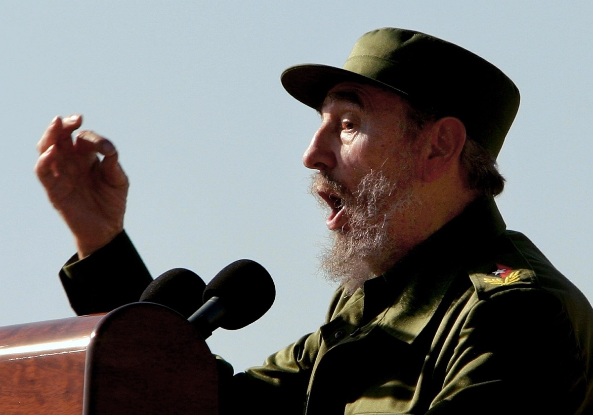Cuban President Fidel Castro delivers his traditional MayDay speech during a massive rally 01 May, 2004 in Havana. AFP PHOTO/NIURKA BARROSO / AFP PHOTO / NIURKA BARROSO