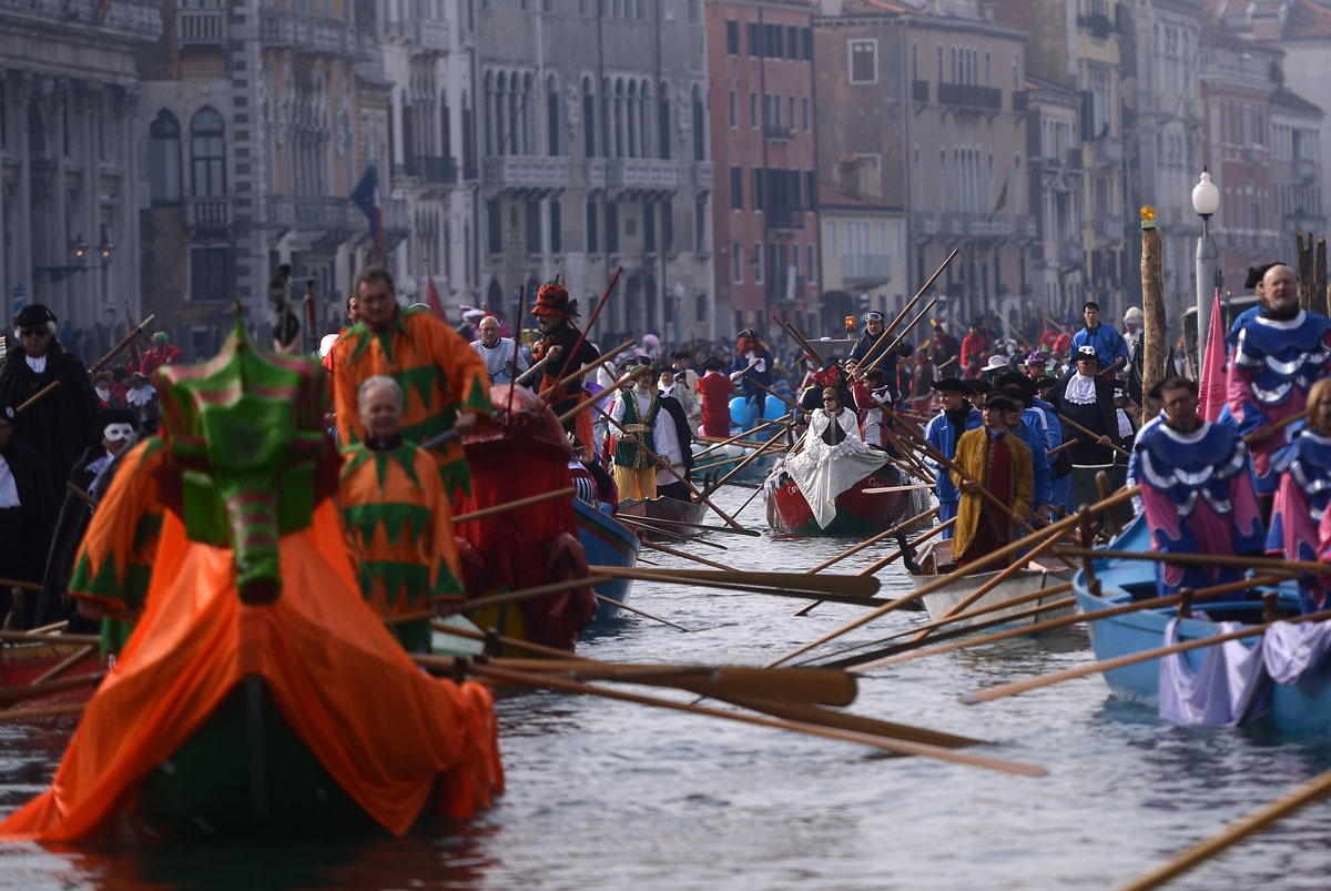 A general view shows boats on the Grand Canal during the opening regatta of the Venice Carnival on January 28, 2018.