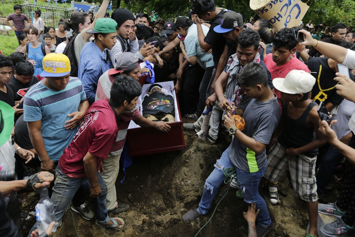Friends and relatives cry during the funeral of Jorge Carrion, 33, shot dead during protests against the government of President Daniel Ortega, in the city of Masaya, 35 km from Managua on June 7, 2018. The Nicaraguan Center for Human Rights said 134 peop