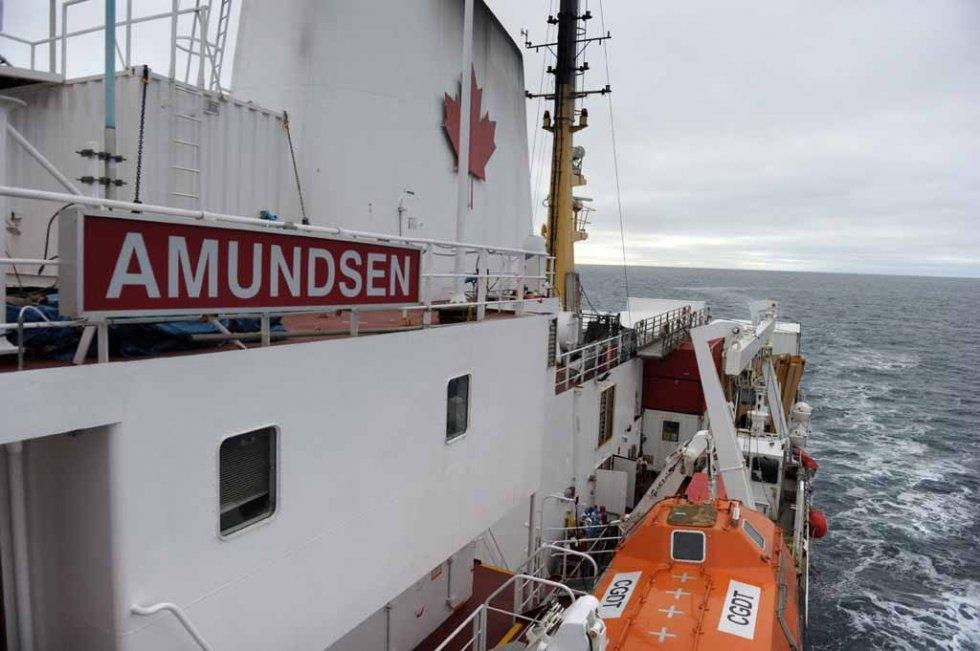 The Amundsen makes it way through open water