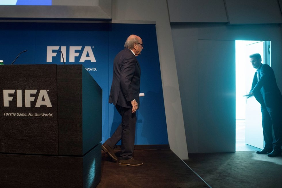FIFA President Sepp Blatter leaves after a press conference at the headquarters of the world's football governing body in Zurich on June 2, 2015 (AFP / Valeriano Di Domenico)