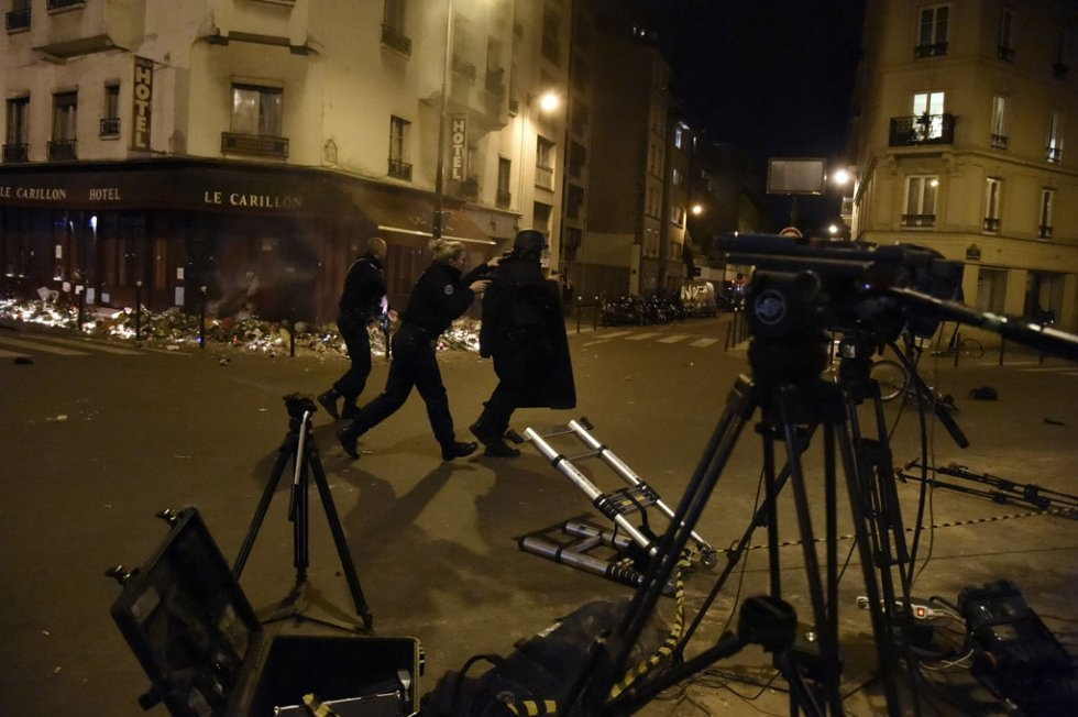 Police take up positions during the attacks. (AFP/Dominique Faget)