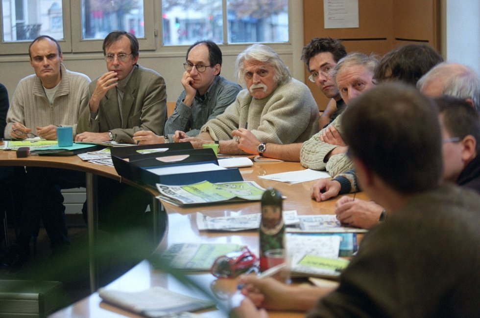 An editorial meeting at Charlie Hebdo in 2001 (AFP / François Guillot)