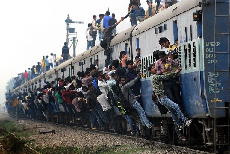 TOPSHOTS-INDIA-POLITICS-RAILWAY-BUDGET
