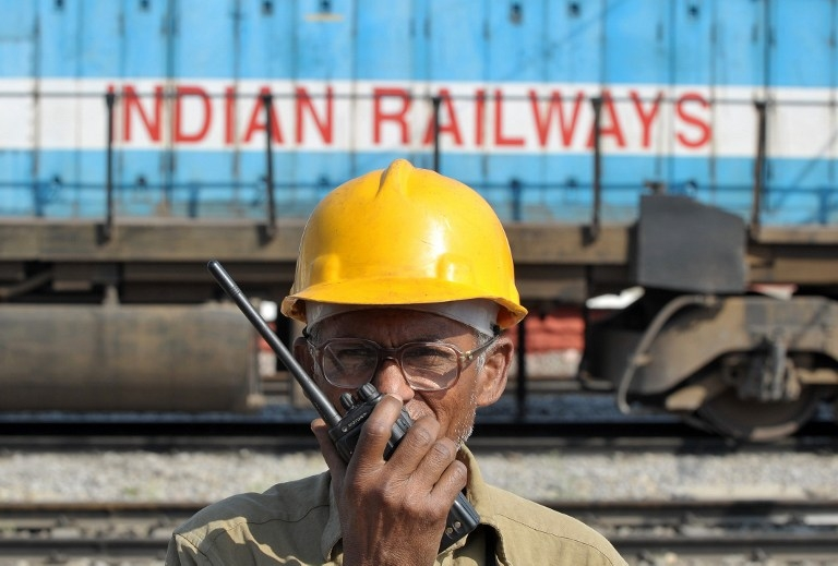 INDIA-POLITICS-RAILWAY-BUDGET