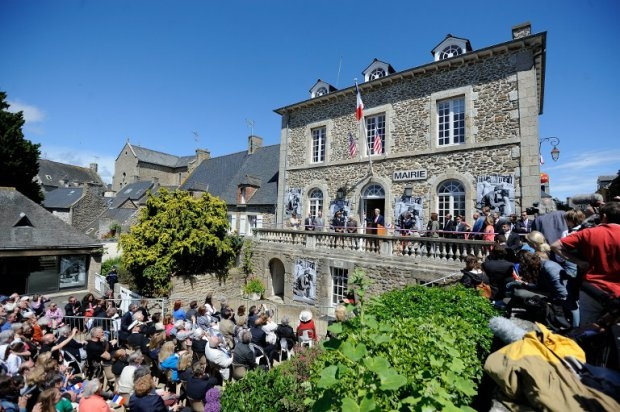 Kerry delivers a speech in Saint-Briac-sur-Mer, a Breton village linked to his family, on June 7, 2014