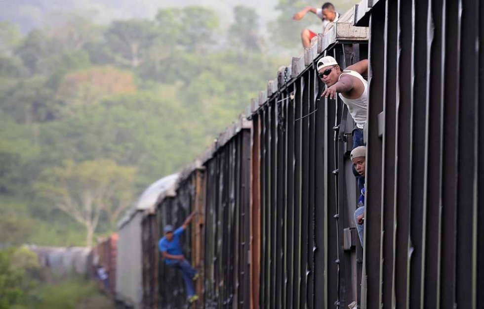 Migrants on board a train in Chacamax, Chiapas State on June 21, 2015