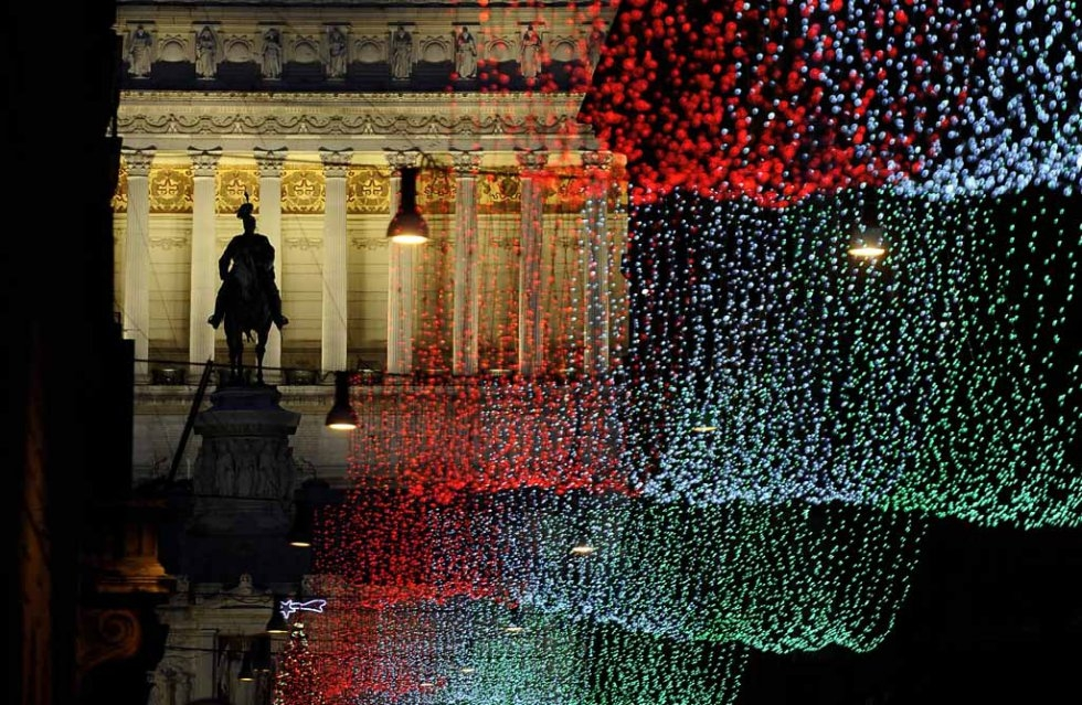 Christmas lights at Piazza Venezia. December, 2011.