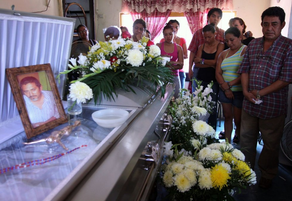 The coffins of Gabriel Huge and his nephew Guillermo Luna. May, 2012.
