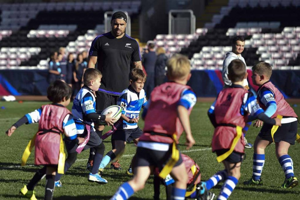 All Blacks coach young players in Darlington.