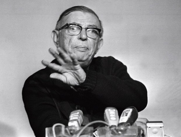 French writer Jean-Paul Sartre gestures at a press conference in Paris, on February 15, 1971 (AFP Photo)