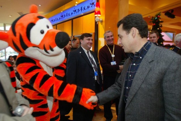 'Tigger' greets then-interior minister Nicolas Sarkozy at Disneyland Paris on December 13, 2003