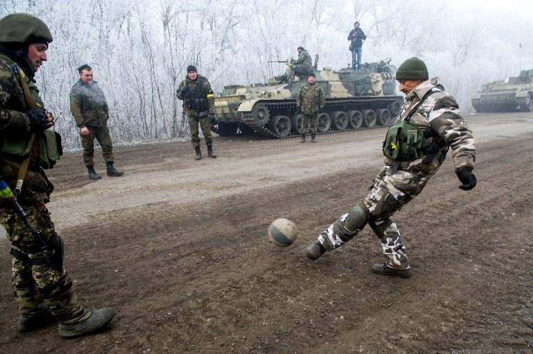 TOPSHOTS-UKRAINE-RUSSIA-CRISIS-MILITARY-CEASEFIRE