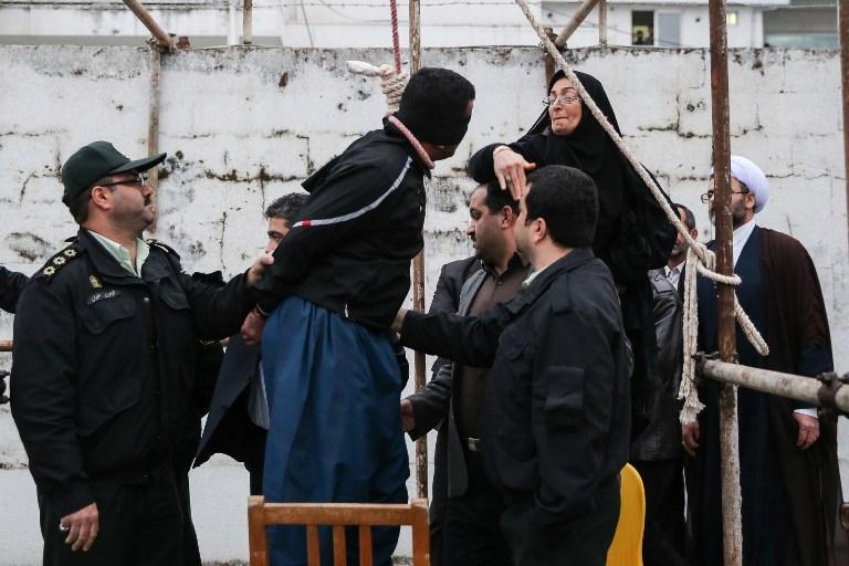 TOPSHOTS 2014-IRAN-SOCIAL-EXECUTION-ISLAM