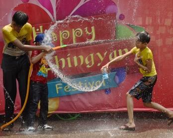 Myanmar-politics-religion-festival-newyear-Buddhism