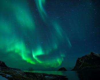 Auroras boreales en Utakleiv, en las islas Lofoten, el 9 de marzo de 2018.